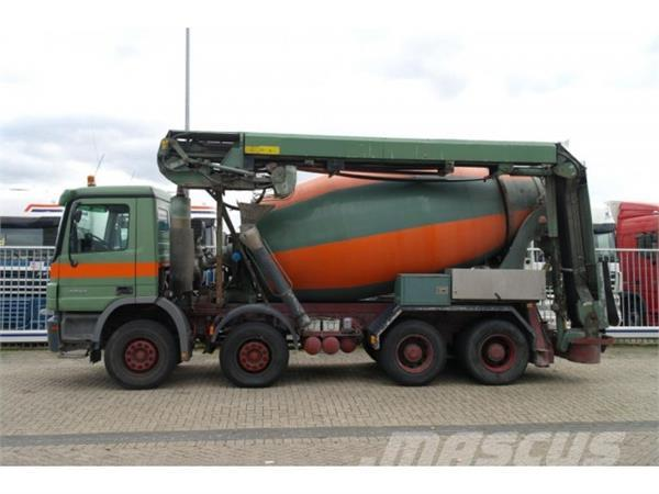 Mercedes-Benz ACTROS 3244 8X4 MIXER WITH TRANSPORT BELT