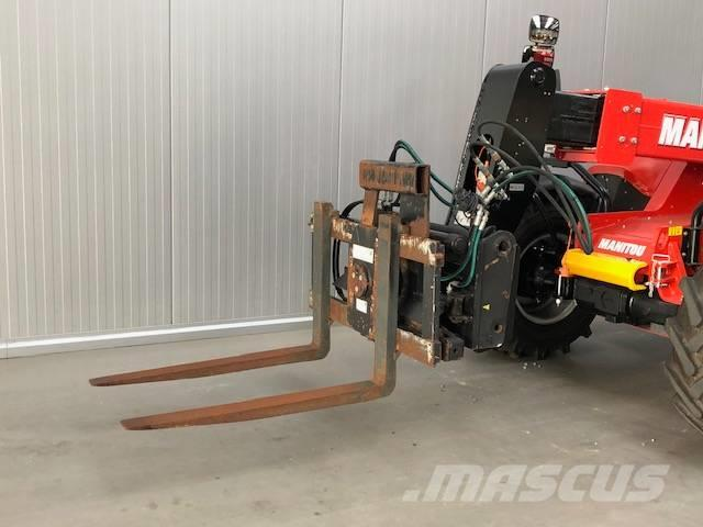 Manitou Rotator + Side-shift Forks