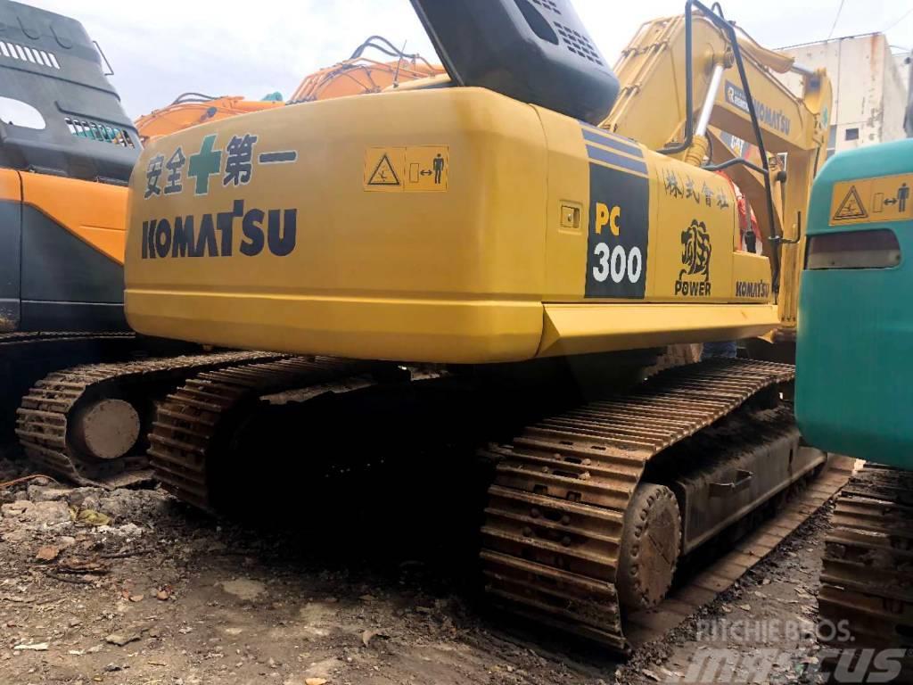 Komatsu PC300-7