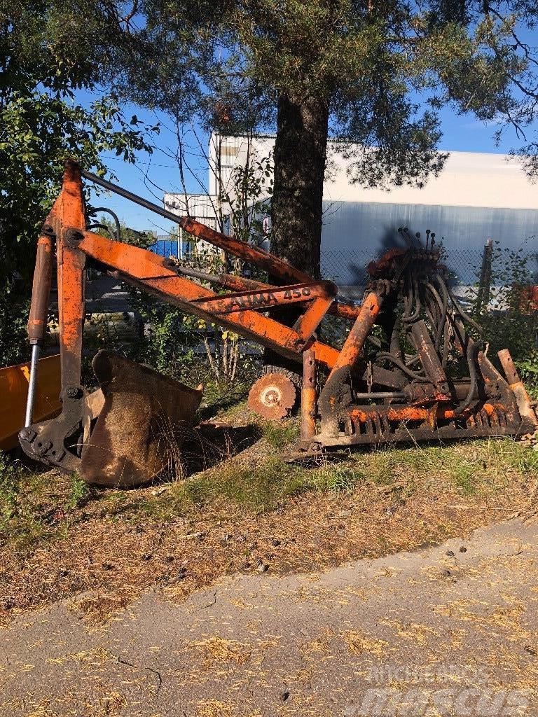 Ahma Kaivuri,traktoriin