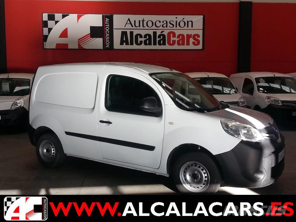 renault kangoo occasion prix 5 744 ann e d 39 immatriculation 2014 utilitaire renault. Black Bedroom Furniture Sets. Home Design Ideas