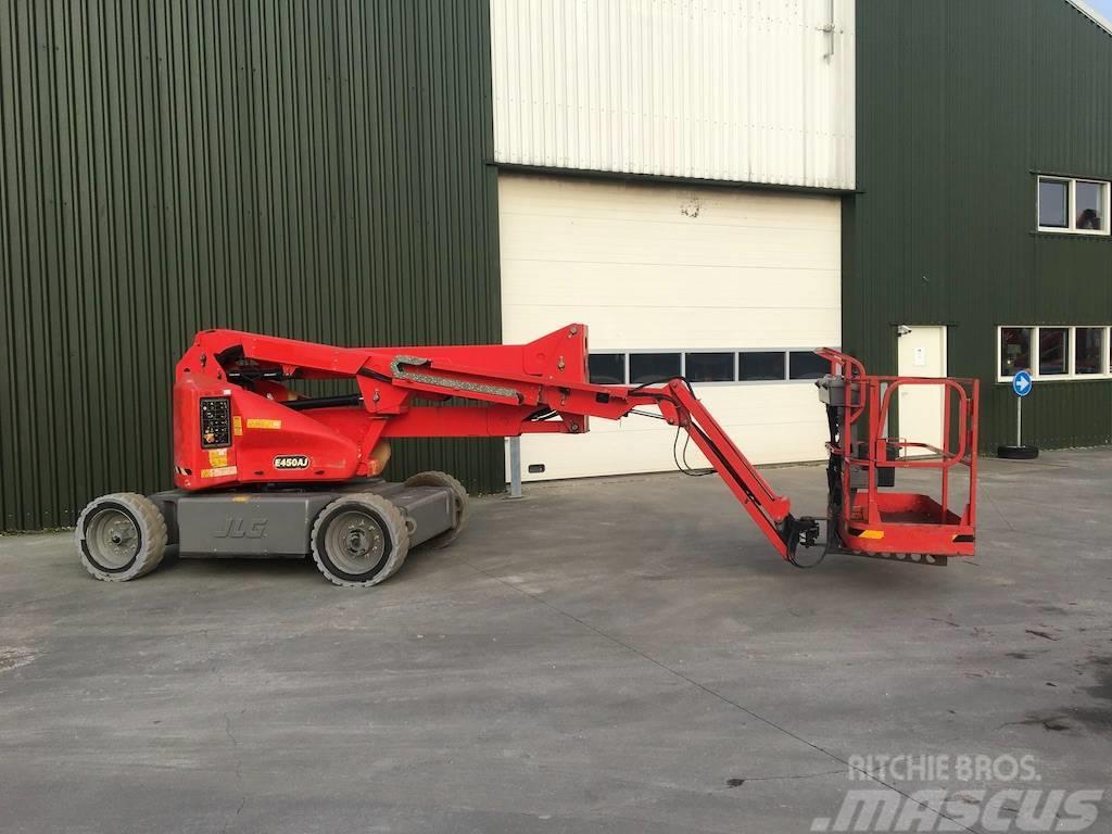 JLG E 450 AJ knikarm hoogwerker 16m
