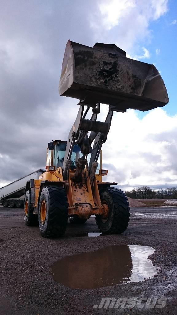 Volvo L120D Year 2001'