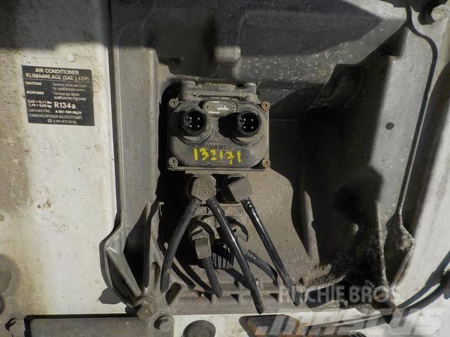 Mercedes-Benz Actros MPII Foot brake valve 34318606 4800010110 0