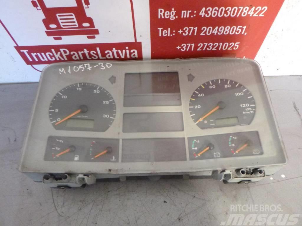 Mercedes-Benz DASHBOARD 81.27202-6127