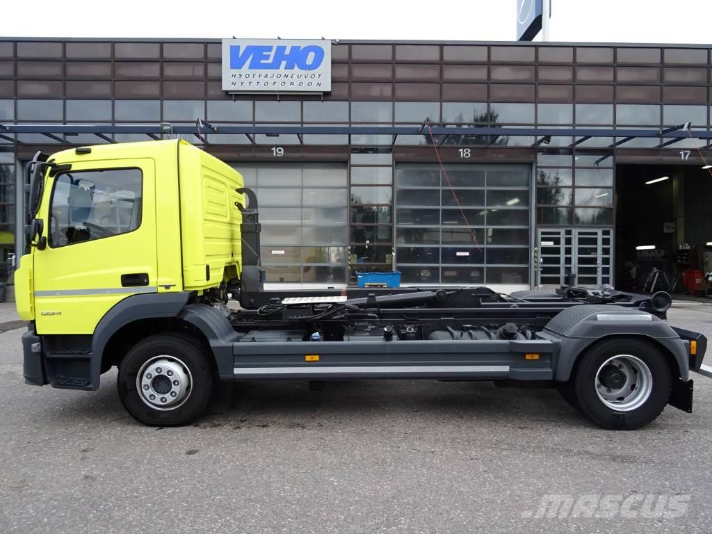 used mercedes benz atego 1224l koukkulaite demountable