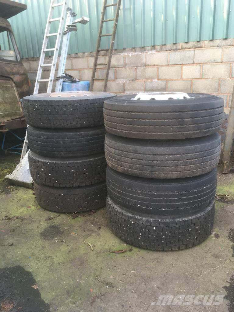 Alcoa alloy wheels & tyres