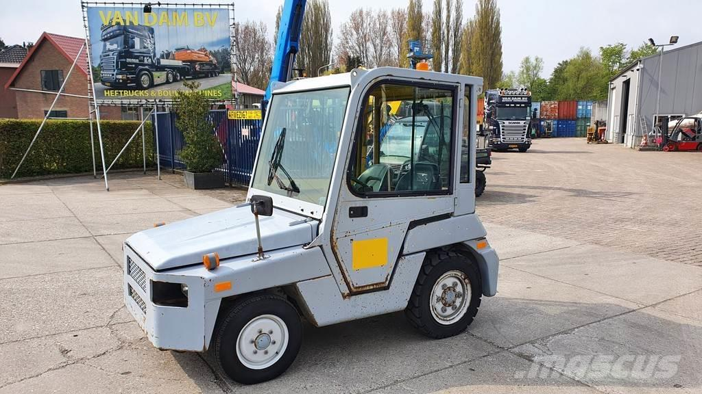 Toyota 02-2TD20 tow tractor 2X