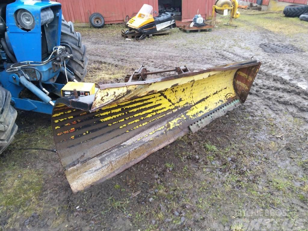 [Other] Lumiaura / Lumilevy 285cm - traktoriin