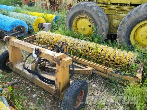 [Other] Traktora birste