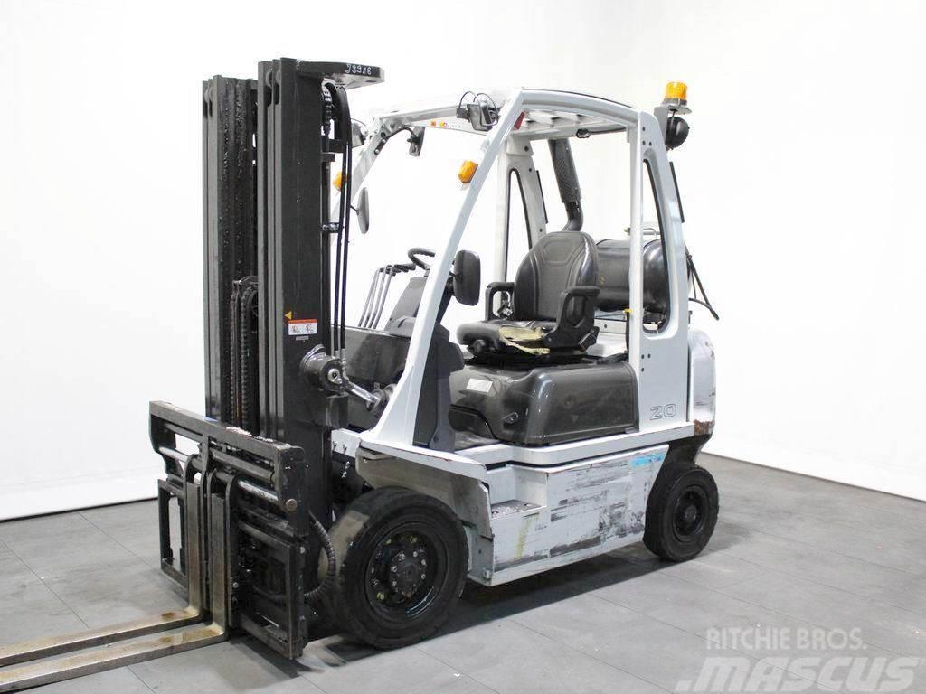 Nissan U1 D2 A 20 LQ