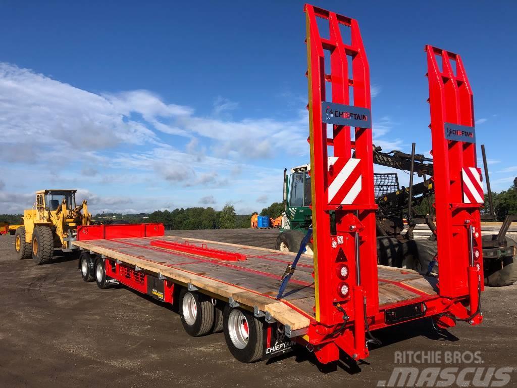 Chieftain 4-axl maskintransport 30 ton traktor