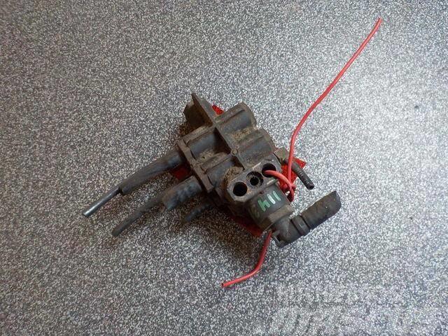 MAN TGA Rear axle distributor 81981836000 81981836435