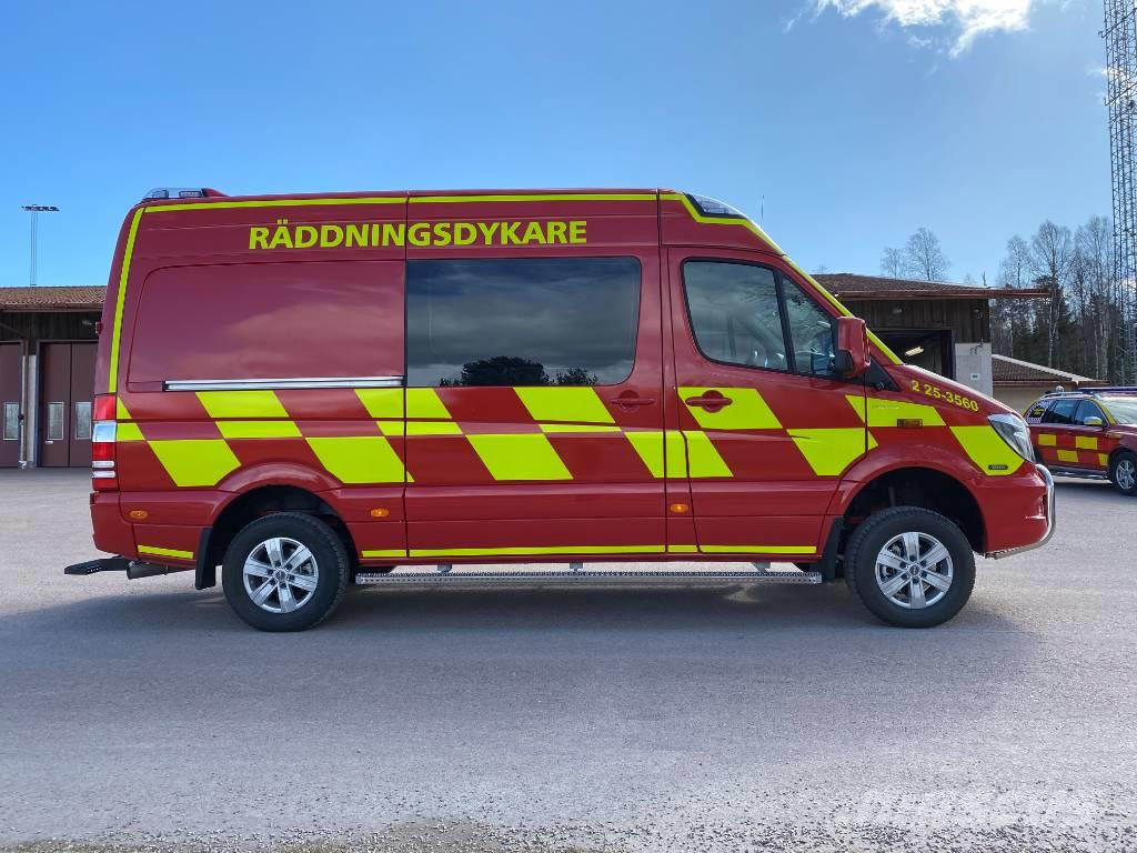 Mercedes-Benz Sprinter 319 CDI 4x4 - fire vehicle/faterdivers