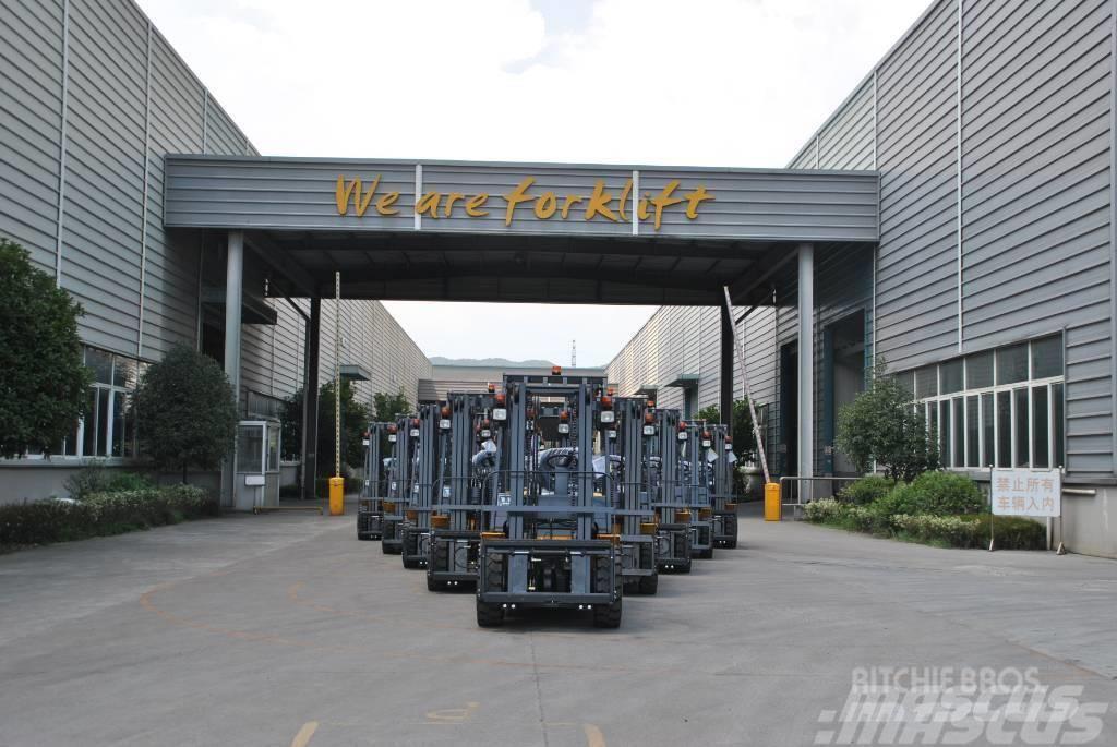 UN Forklift FD40T mini4T Diesel Forklift ISUZU