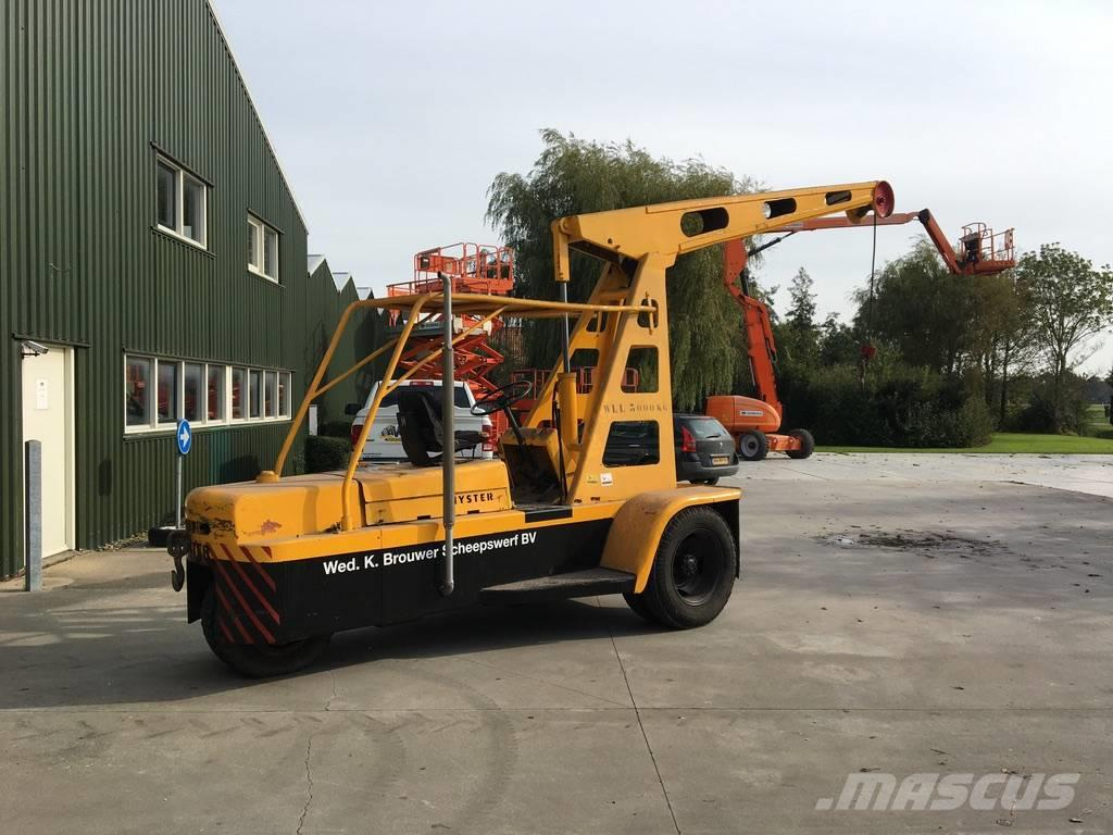 Hyster CARRY CRANE