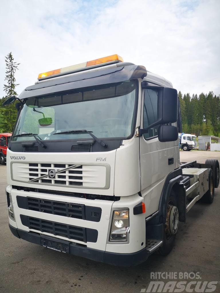 Volvo FM 370 6x2 alustana tai rakennettu