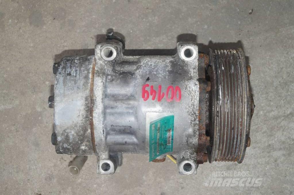 Renault Magnum 440 DXI / Air condition compressor