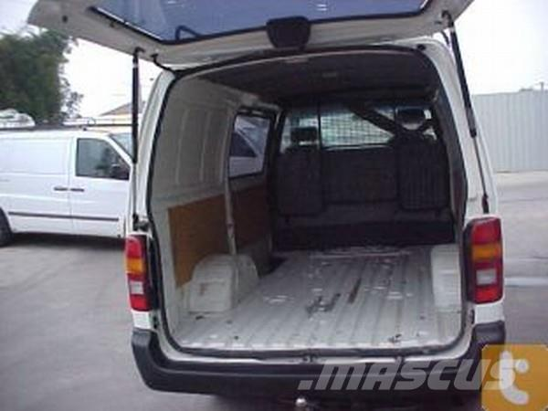 Toyota Hiace Rzh103r Panel Vans Year Of Mnftr 2000 Price