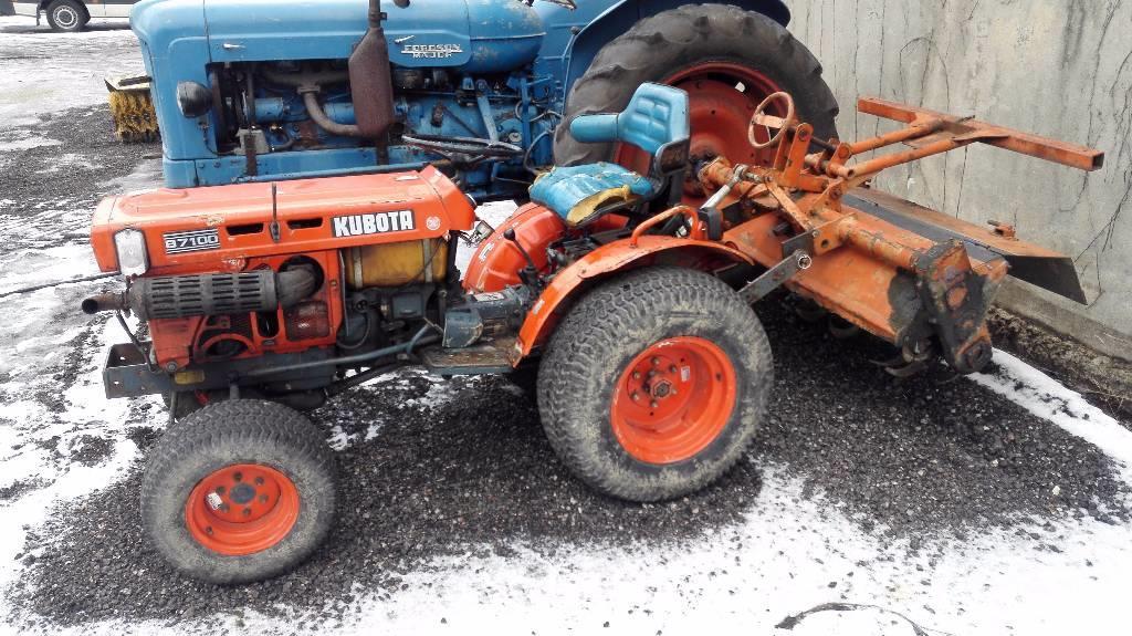 Kubota B7100 Backhoe Attachment : Used kubota b tractors year price