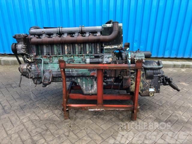 Deutz F6L 413 FR Deutz motor + Clark automatic gearbox,