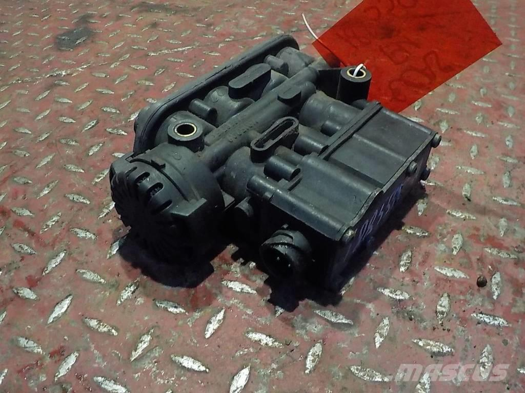 Volvo FH ECAS valve 20514449 4728800320 2084509 1448078