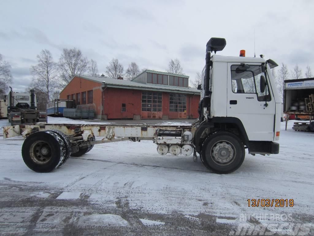 Volvo FL 7 4X2 4400