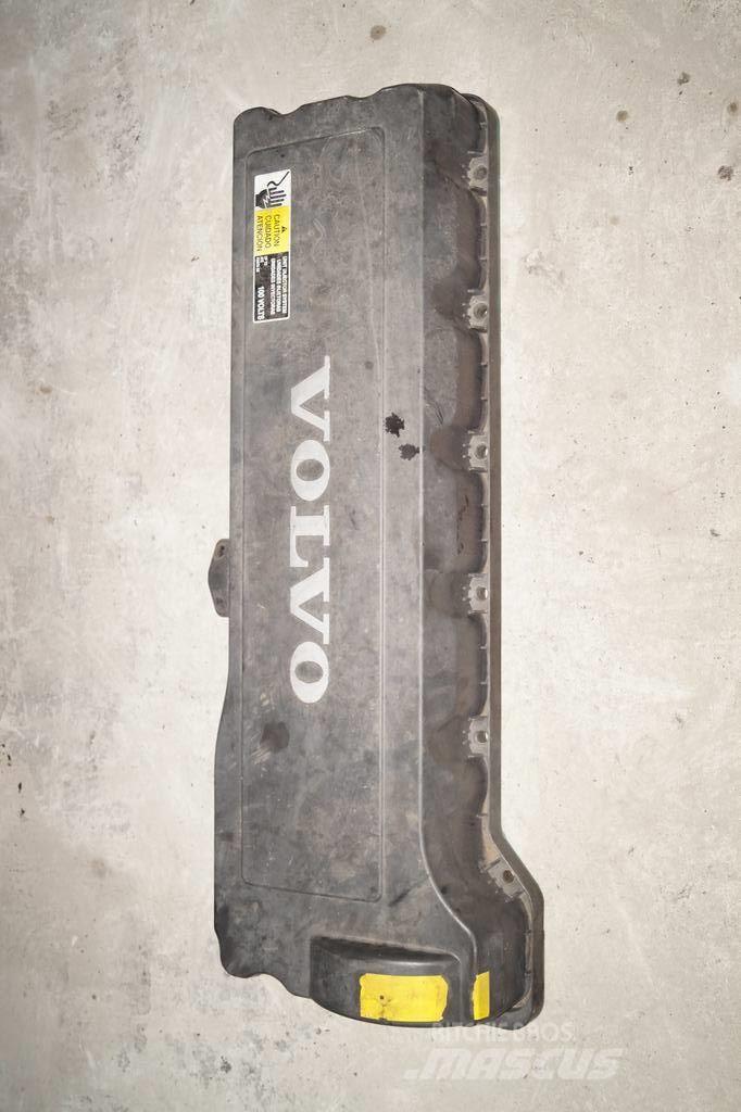 Volvo FM9 / Valve cover with sensor