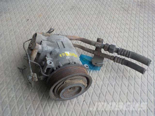 Mercedes-Benz Actros MPII Air conditioning compressor 5412301211