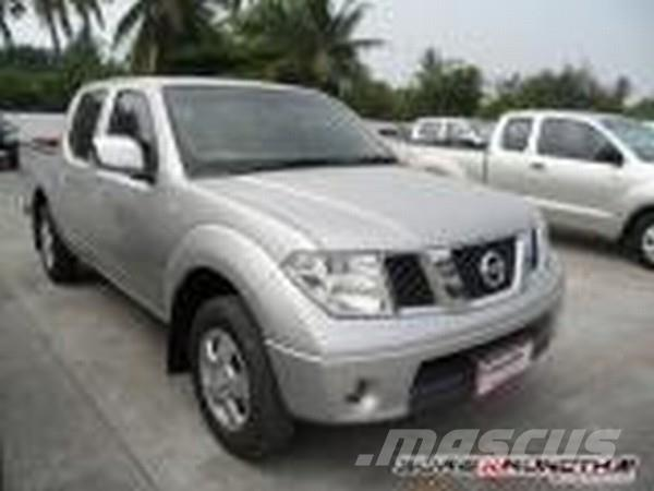 nissan navara d cab occasion prix 15 441 ann e d 39 immatriculation 2007 utilitaire benne. Black Bedroom Furniture Sets. Home Design Ideas