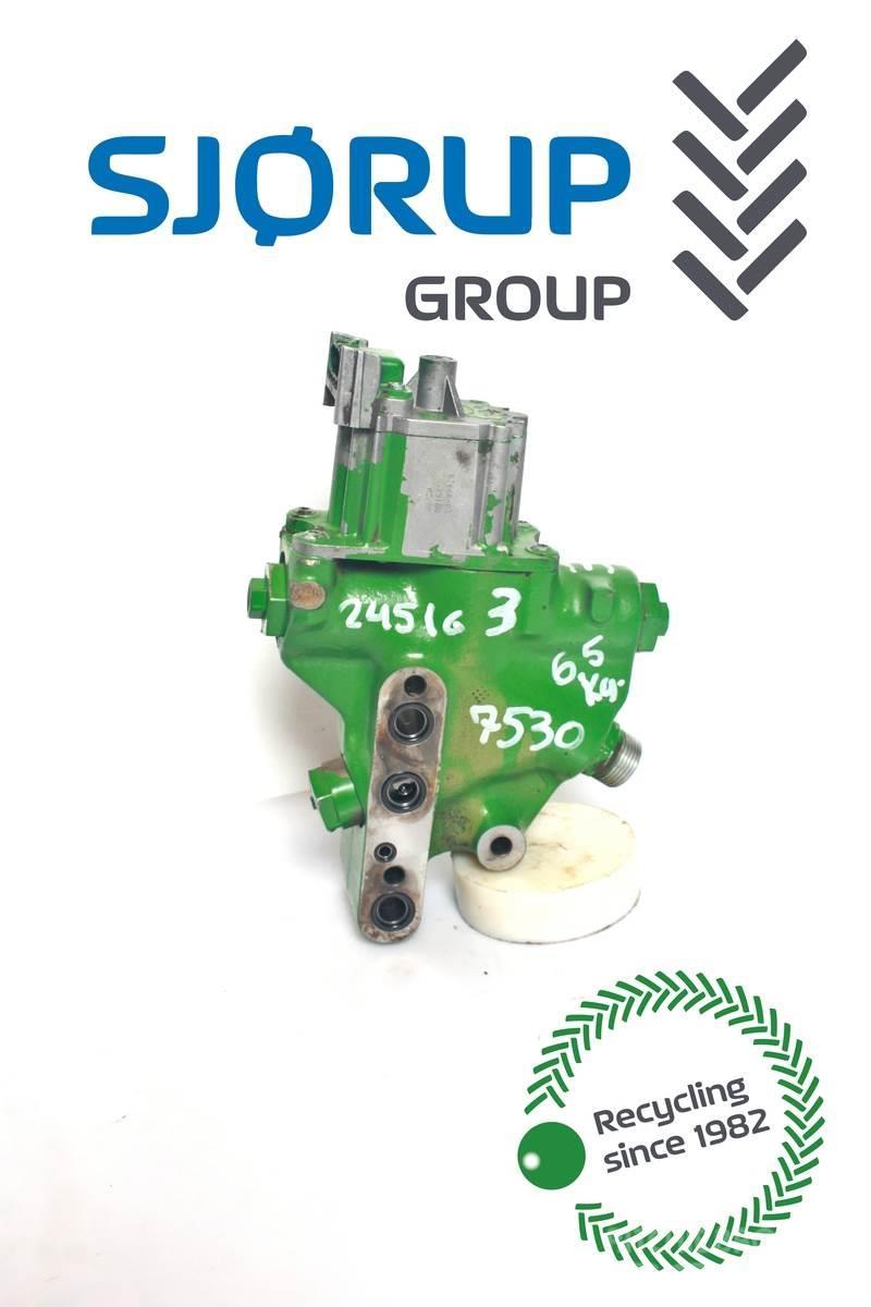 John Deere 7530 Hydraulic lift valve