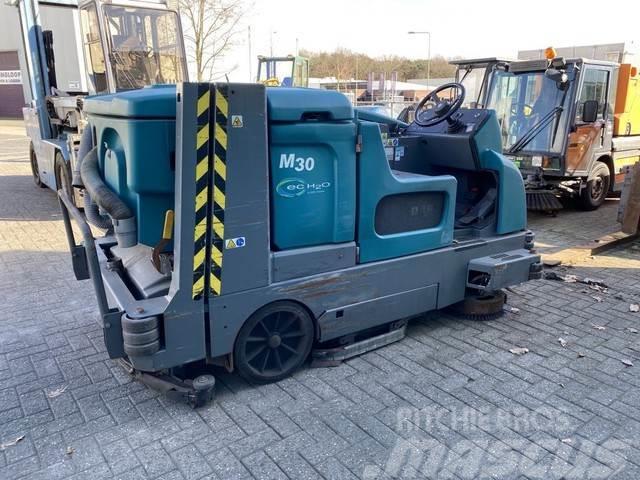 Tennant M30 schrobmachine veegmachine - FOR PARTS