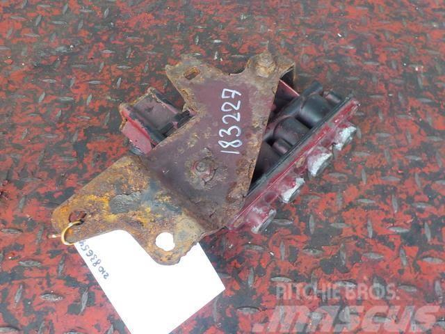 Volvo FH ECAS valve 21083654 7421083654