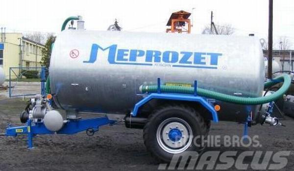Meprozet szippantó és hígtrágyaszóró tartálykocsi szippantó