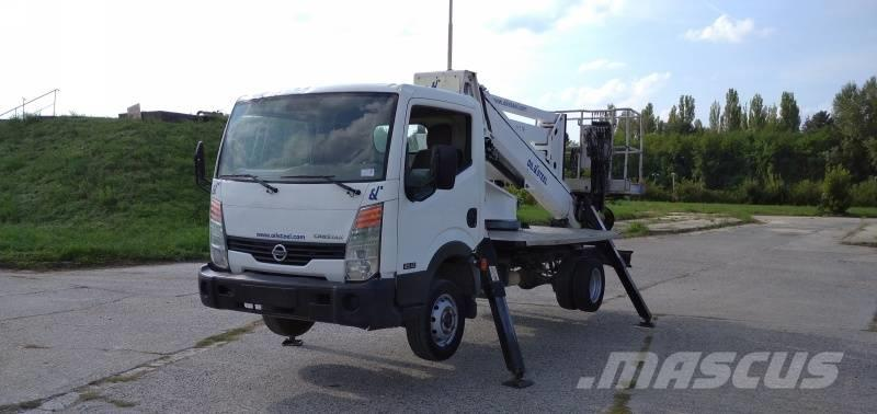 Nissan Cabstar Oil&Steel Snake 2010 Compact RE - 20 m - 2