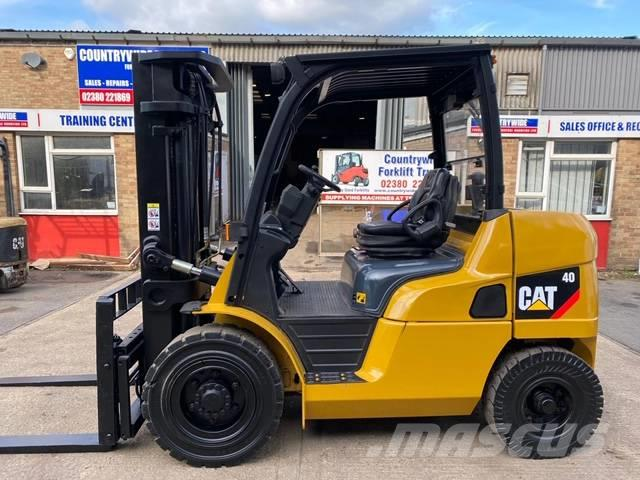 Caterpillar DP40NT