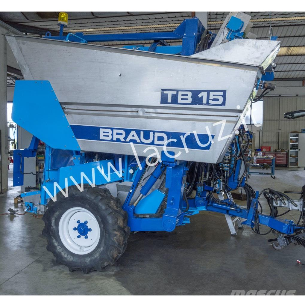 New Holland Braud TB15