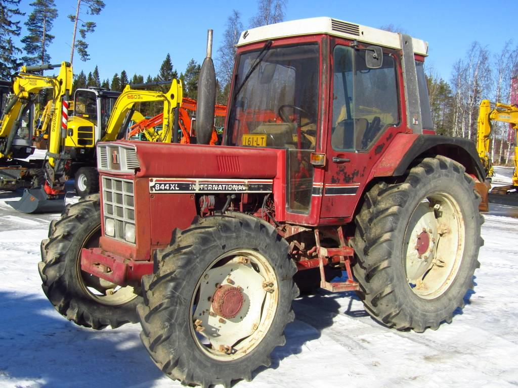 International 844XL NELIVETO