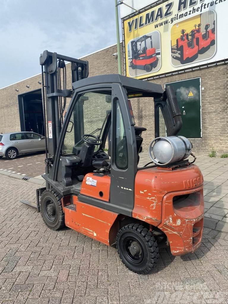 Nissan UDO25 2500KG 4.5METER LPG HEFTRUCK