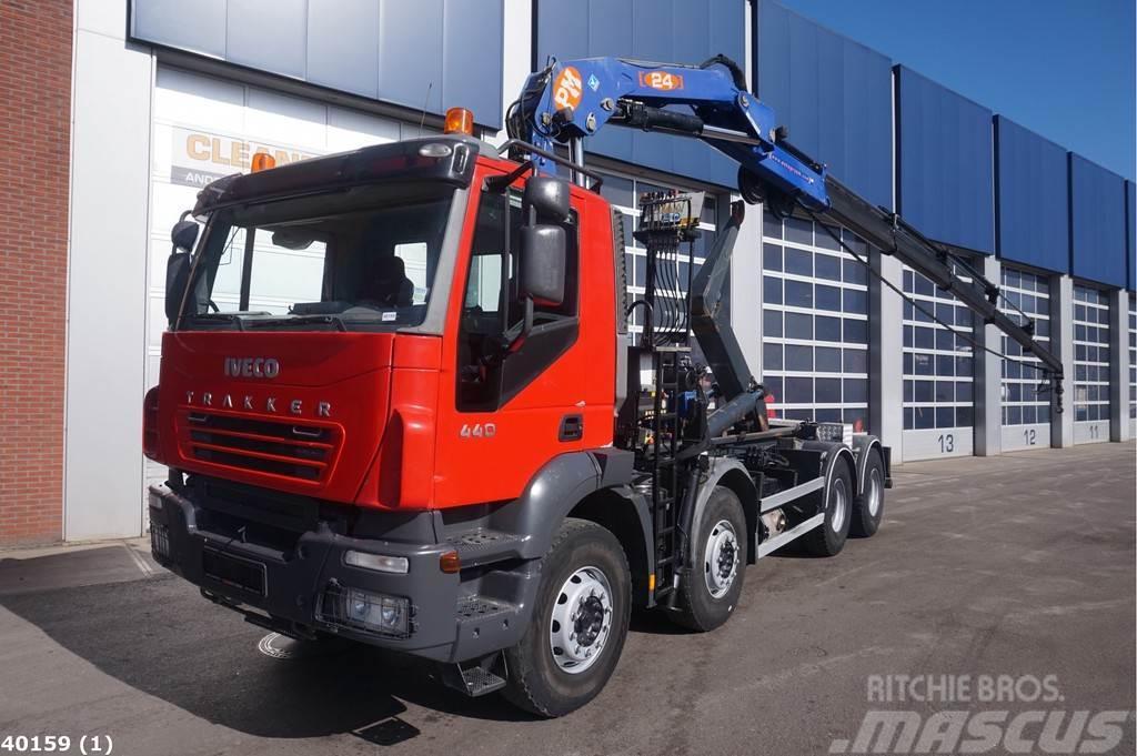 Iveco Trakker AD 340T PM 24 ton/meter laadkraan