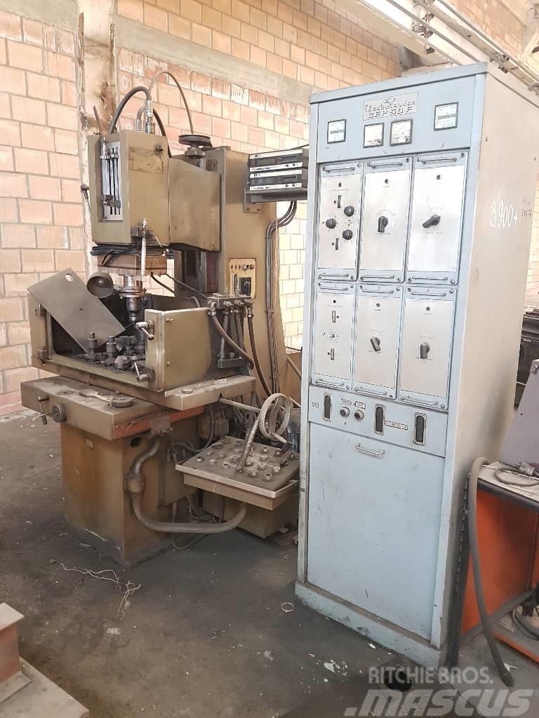 [Other] Masina de prelucrat prin electroeroziune ELER-05