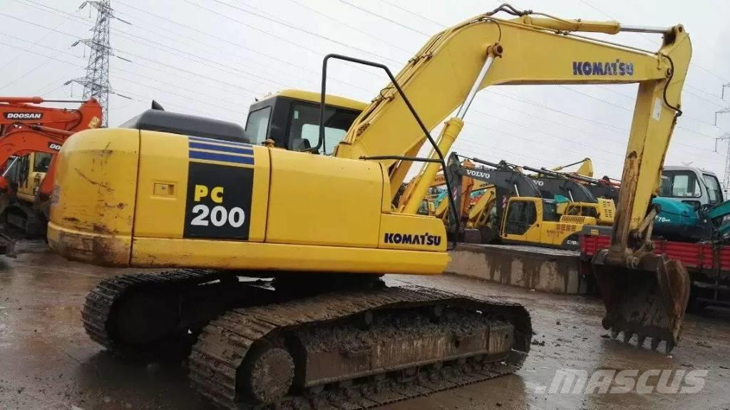 Komatsu PC200-7  PC220-7中型挖掘机