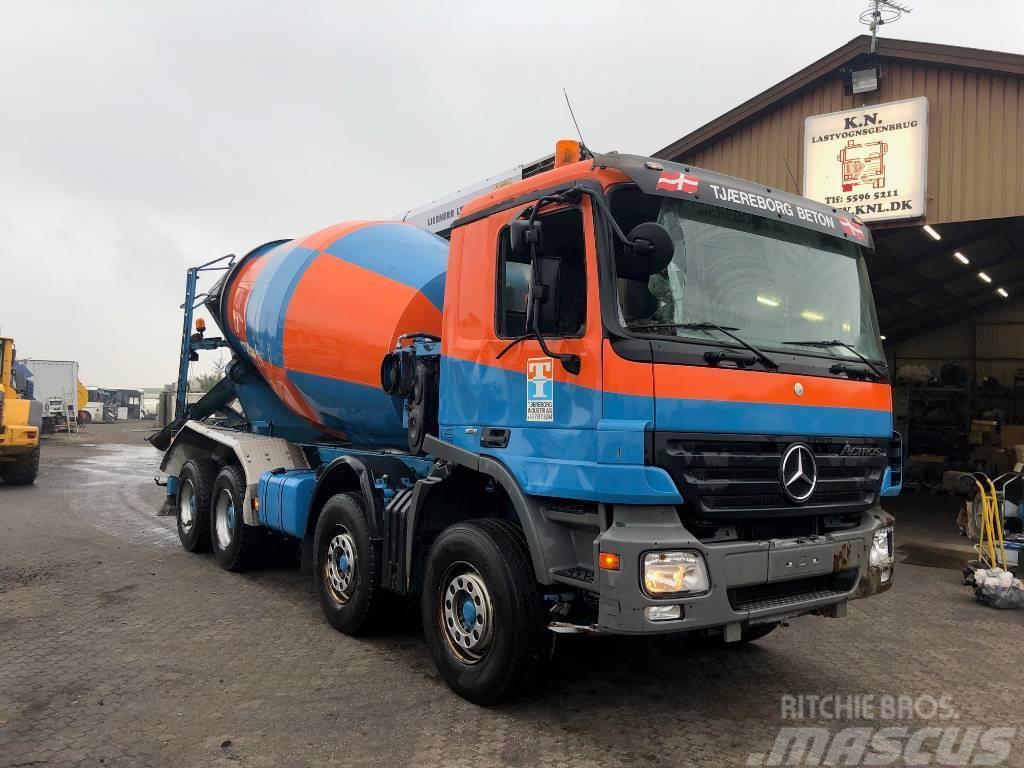 Mercedes-Benz 3244 8x2 Beton Mixer