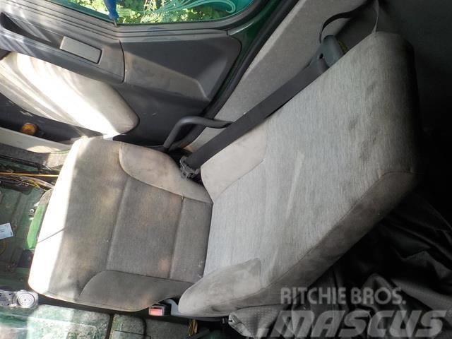 Renault Premium II Co-driver seat 7485130980 5010515213 50