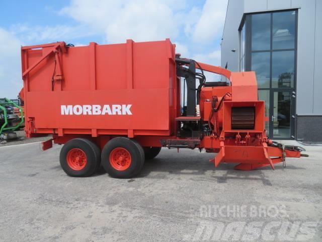 Morbark 2400 / 2825 Shredder with crane / Wood chipper