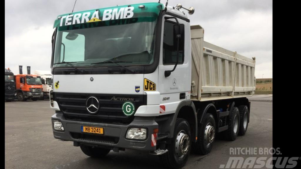 Mercedes-Benz 3241