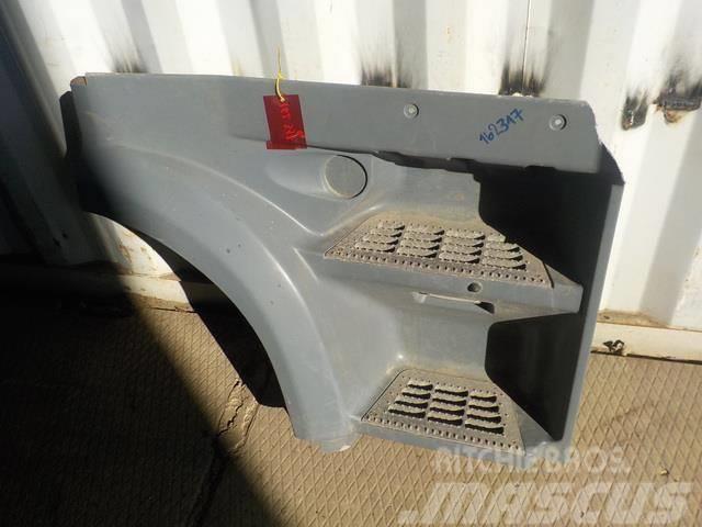 DAF XF105 Step body upper right 1656924 1836305 XF0200