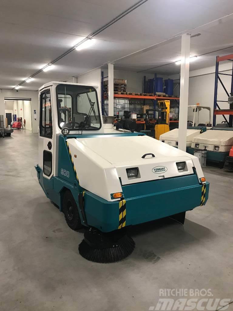 Tennant 800 Diesel Veegmachine