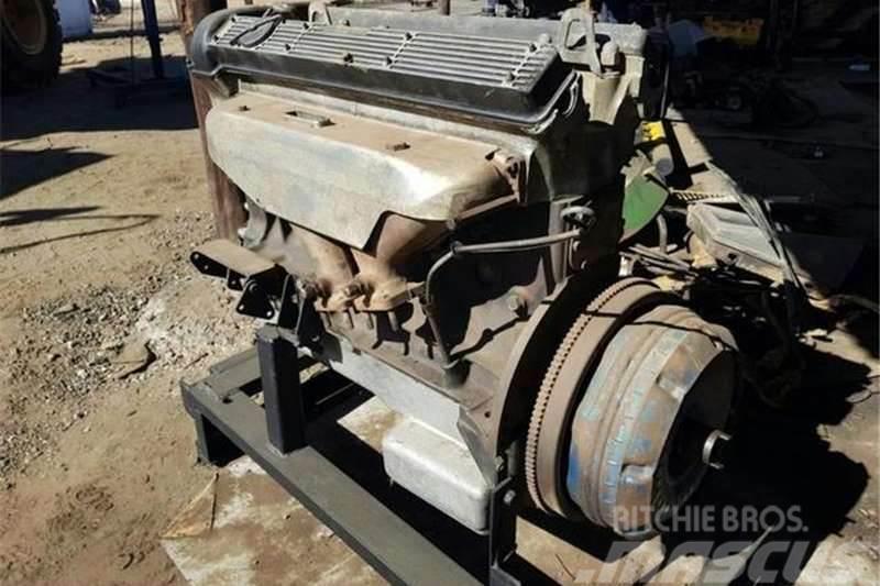 [Other] Other Vintage Jaguar XJ6 4.2 L Engine