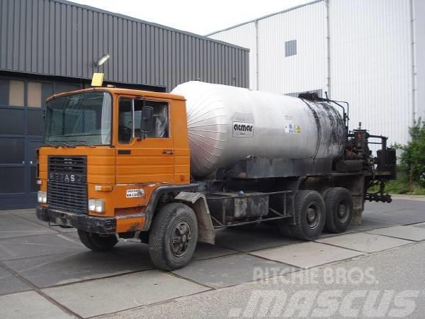 Pegaso 2331 6*4 Bitumen Spreader